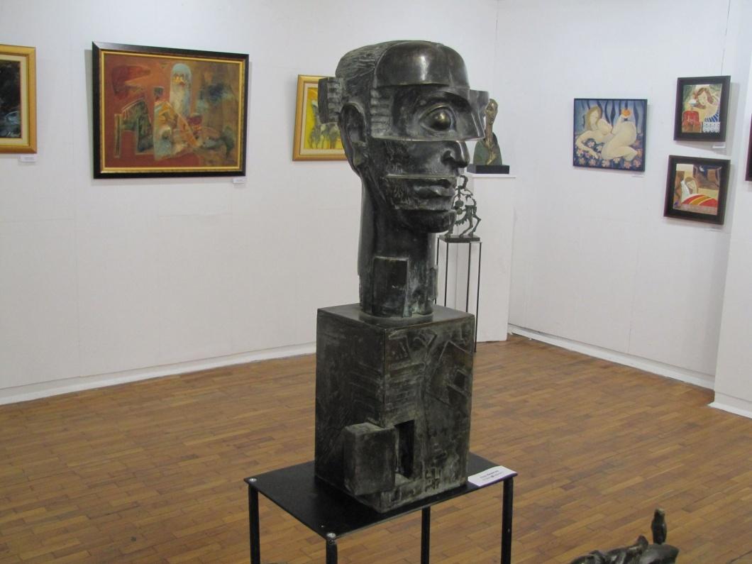 """Изложба """"Три по двадесет"""" в Бургас"""